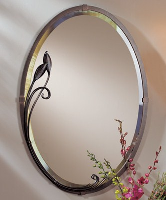 Mirror: Oval w/Leaf 22x32