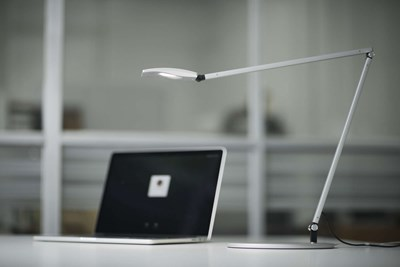 Mosso Pro LED Desk Lamp with base